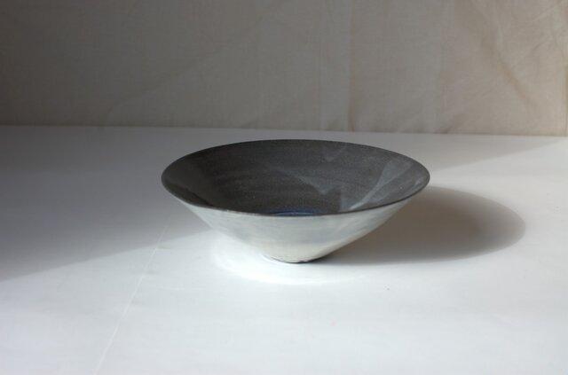 大きめの鉢の画像1枚目
