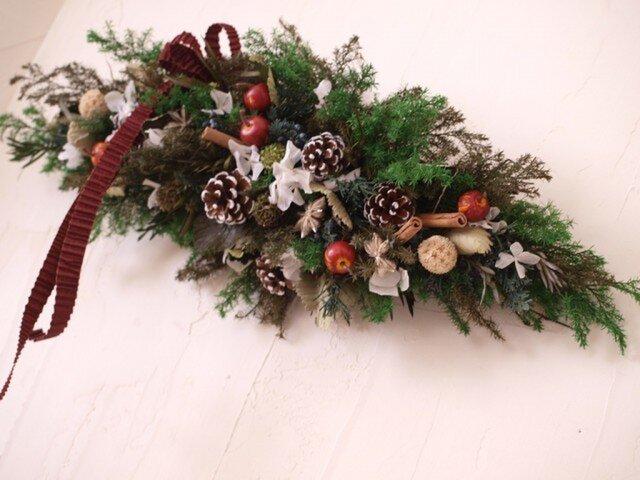 伝統的なクリスマススワッグの画像1枚目