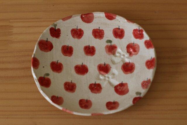 りんごいっぱいのオーバル皿。の画像1枚目