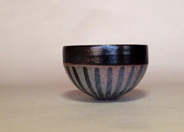 ボール大鉢 中、上黒、下縞(大)の画像1枚目