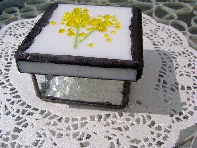 花付き(ミモザ)ガラスの小箱の画像1枚目