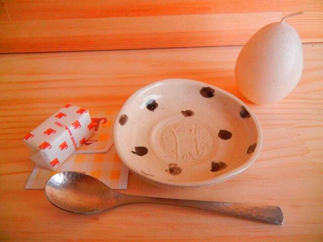 猫の型押し手塩皿:水玉の画像1枚目