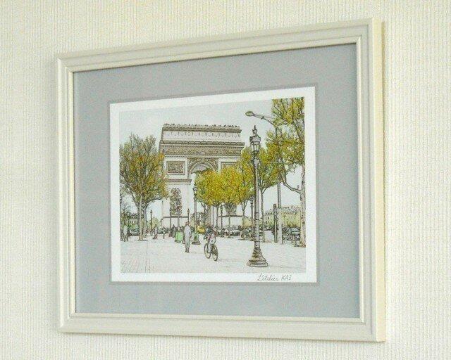 【気軽にA4額入りアート】早春の凱旋門の画像1枚目