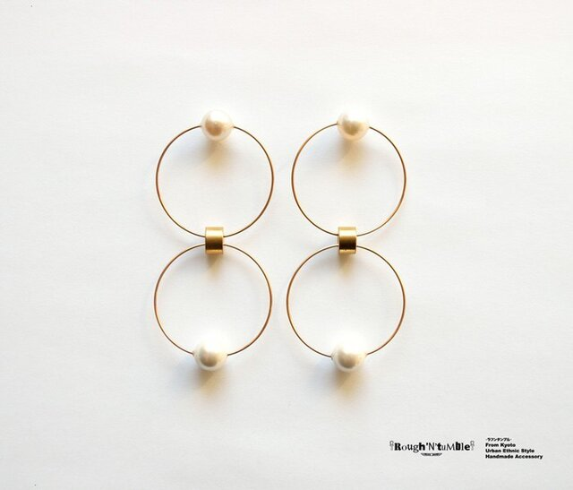 Akoya pearl W ring pierce whiteの画像1枚目
