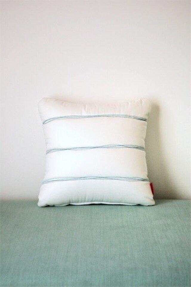 Quilt cushion (S) / whiteの画像1枚目