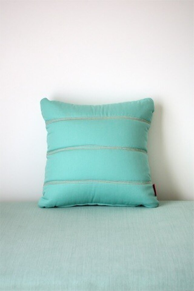 Quilt cushion (S) / jade greenの画像1枚目