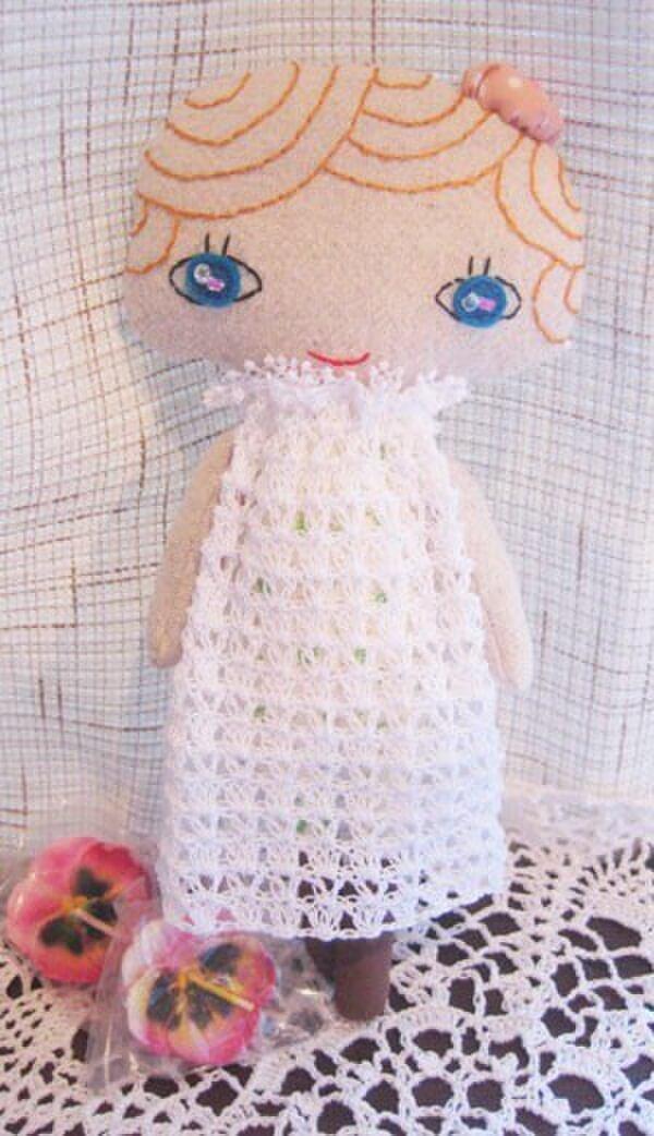 (ぎんた様ご注文分)白いレースドレスの女の子の画像1枚目