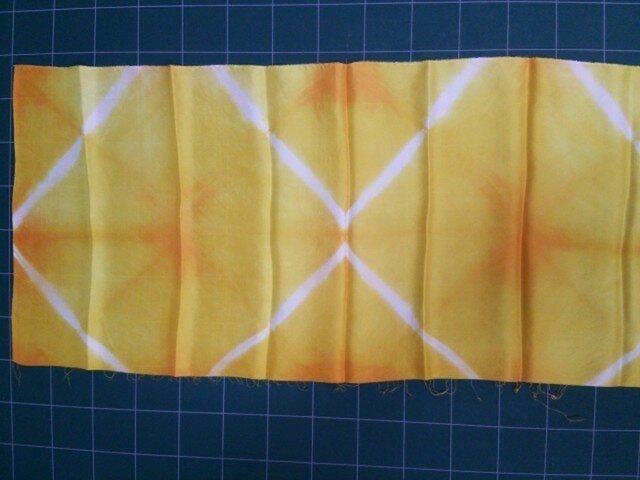 黄色 正絹はぎれ布①75㎝×33㎝の画像1枚目