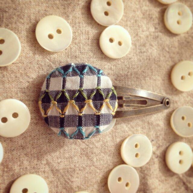 スモッキング刺繍くるみボタンのヘアピン SP-4の画像1枚目