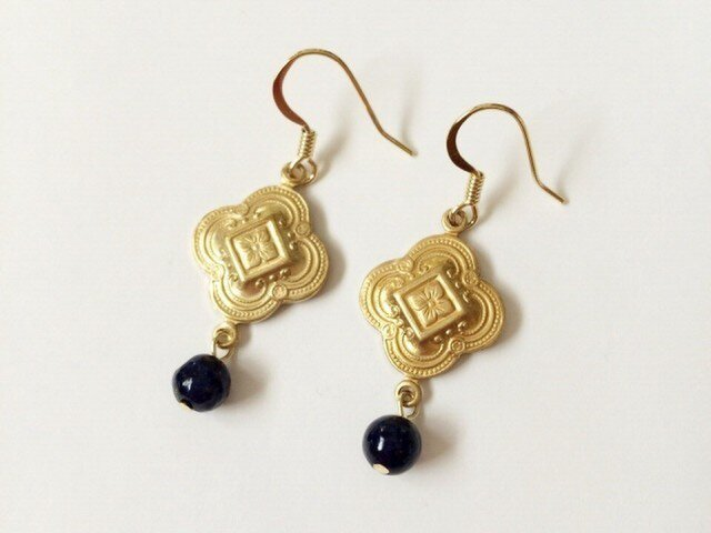 Quatrefoil earringsの画像1枚目