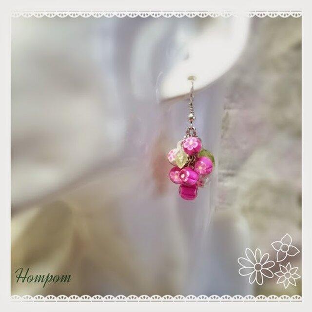花束ピアス ホムポムの画像1枚目