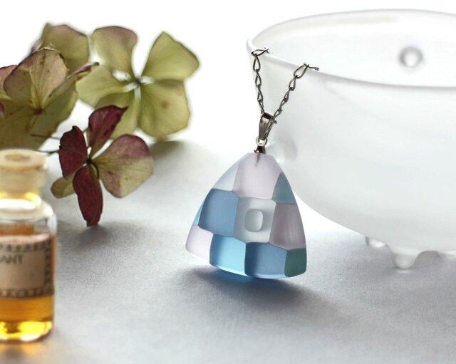 モザイクガラスのアクセサリーの画像1枚目