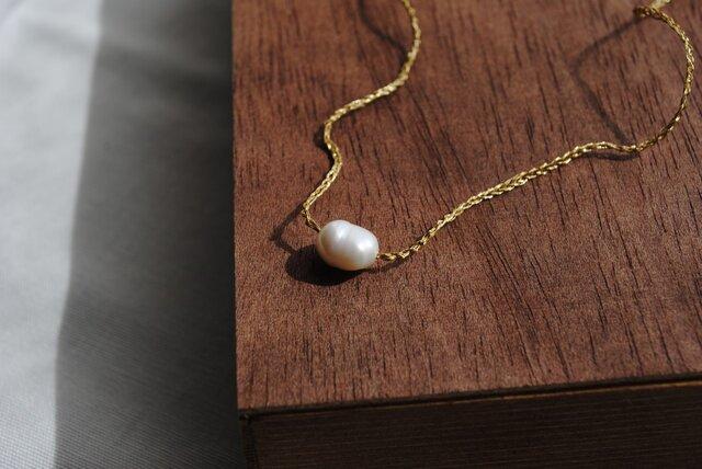 いとあみネックレス 淡水パールひとつぶ 金糸 の画像1枚目