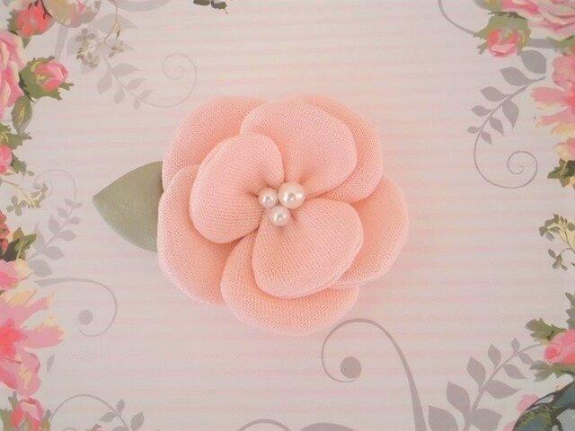 ピンクのフラワーブローチの画像1枚目
