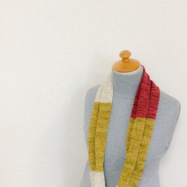 コットンとリネンの機械編みスヌード カラシ×レッドの画像1枚目