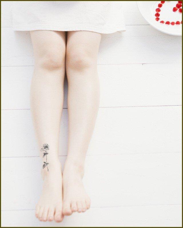 薔薇柄タトゥーシールの画像1枚目
