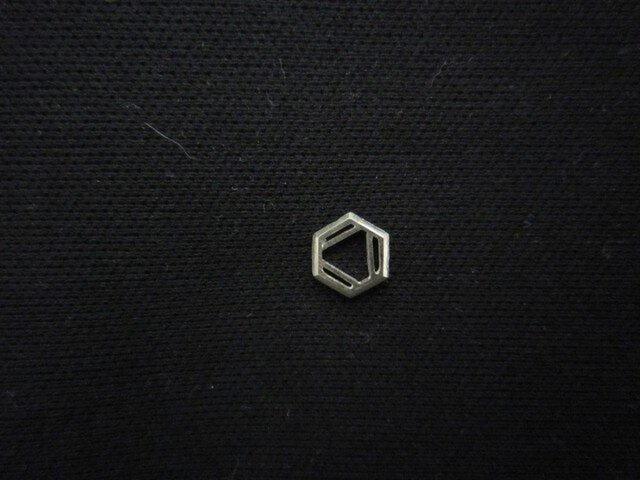 化学式ピアス®(タイタック変更可)(構造式デザインピアス)の画像1枚目
