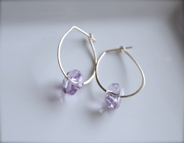 Oval hoop Rose amethyst pierceの画像1枚目
