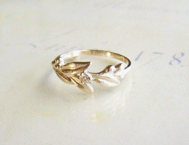 ダイヤとリーフのK10の指輪の画像1枚目