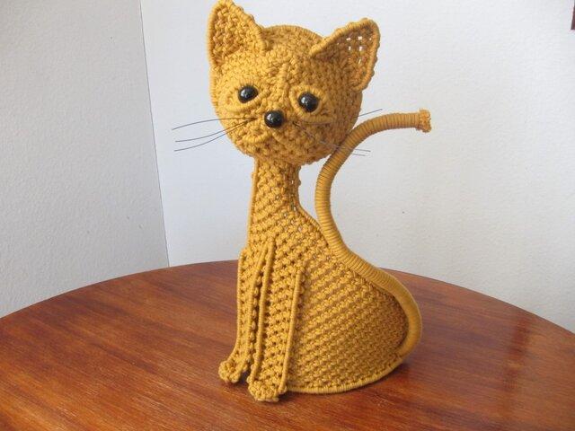 マクラメ たれ目猫の壁掛けの画像1枚目