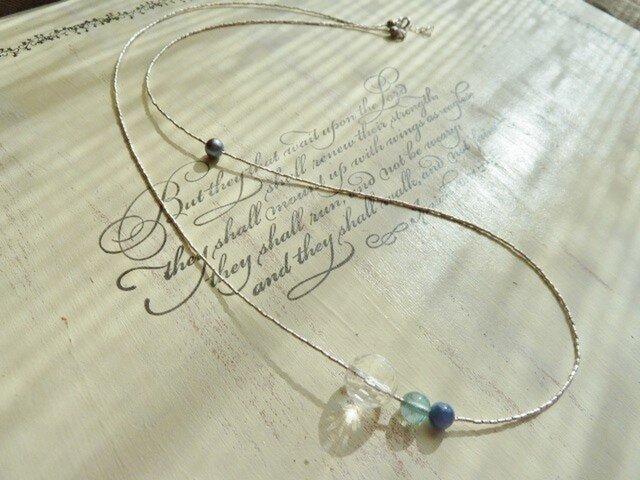 カレンシルバーの繊細なビーズのネックレス and ブレスレットの画像1枚目