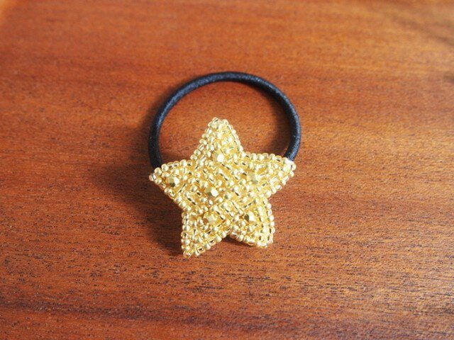 STAR-goldビーズ刺繍ヘアゴムの画像1枚目