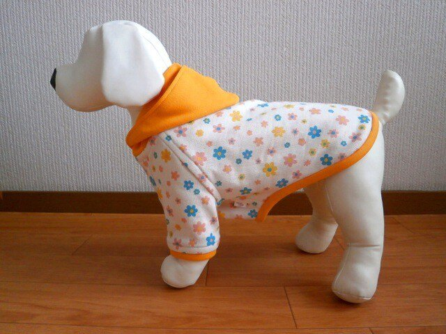犬服 小型犬用パーカ5号(花柄)の画像1枚目