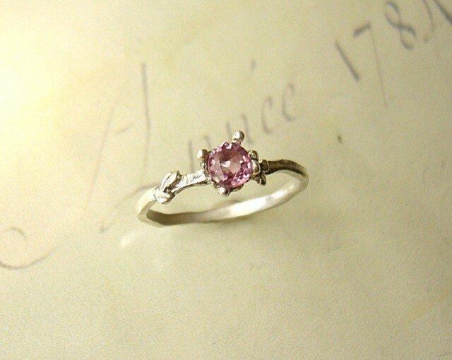 ピンクスピネルのお花の指輪の画像1枚目