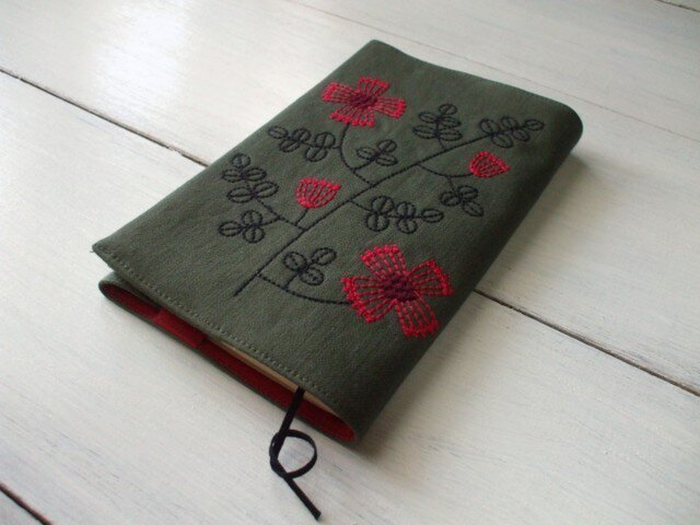 花刺繍の新書本ブックカバー 綿ツイル グリーンの画像1枚目