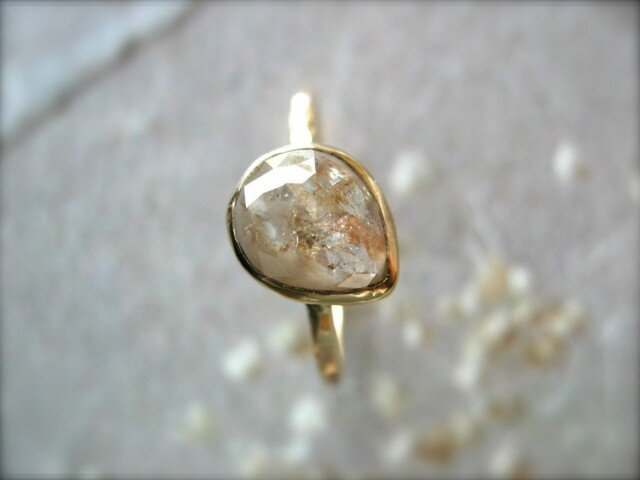Pink Translucent Diamond Ringの画像1枚目