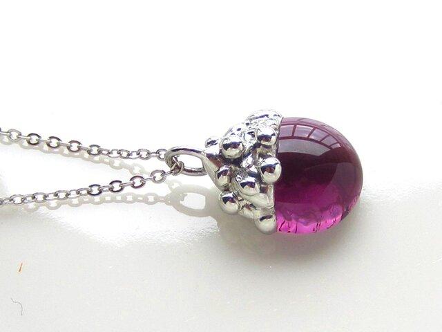 ステンドグラスのネックレス-葡萄色のベリーSの画像1枚目