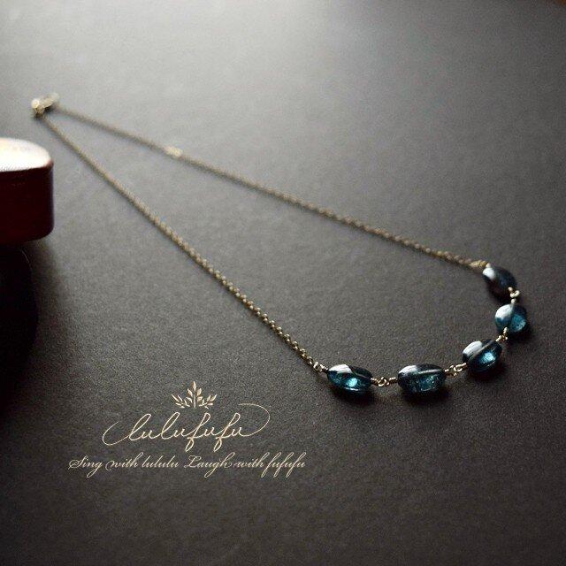 静寂の青~ブルーグリーンカイヤナイトのネックレスno.2の画像1枚目