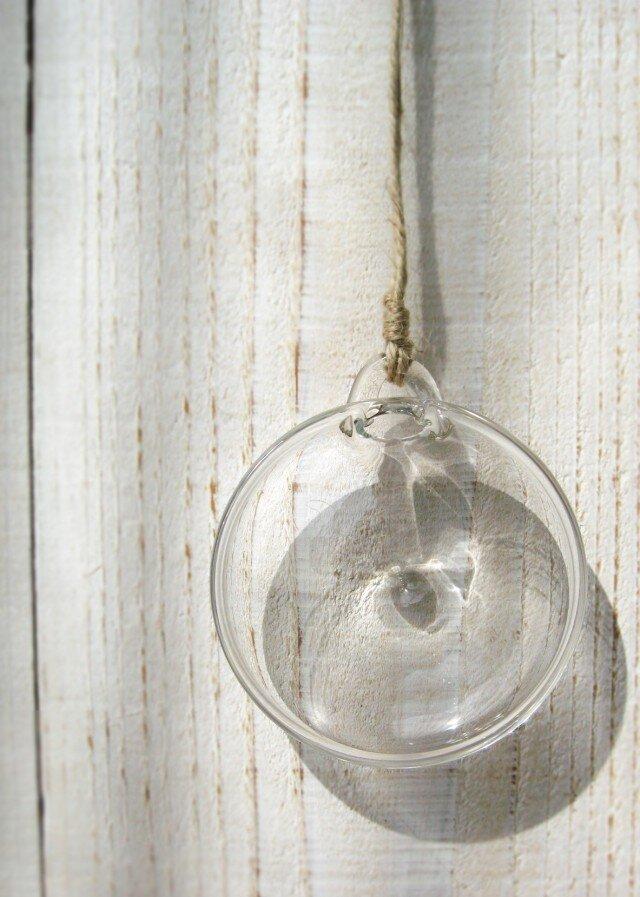 壁かけの花器(メダル型)の画像1枚目