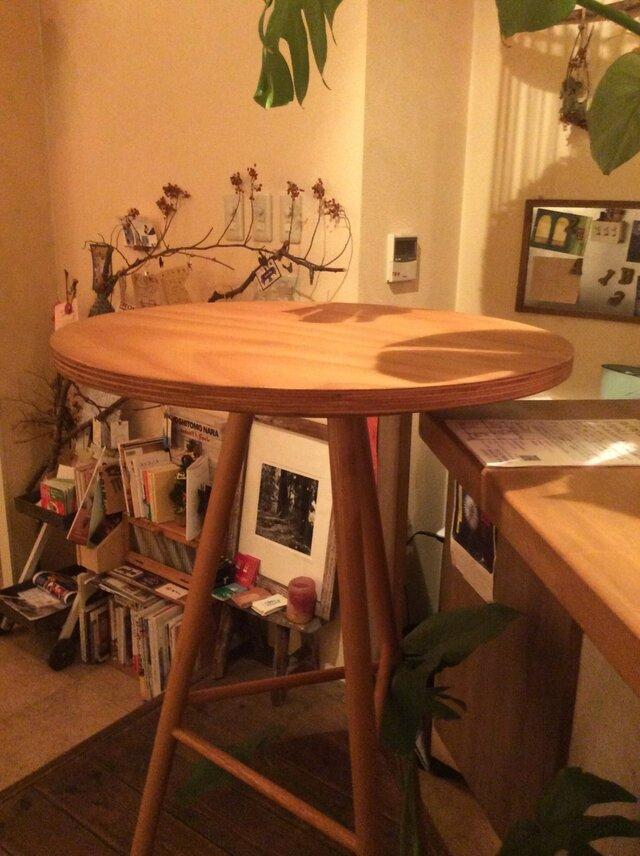 スタンディングテーブルの画像1枚目