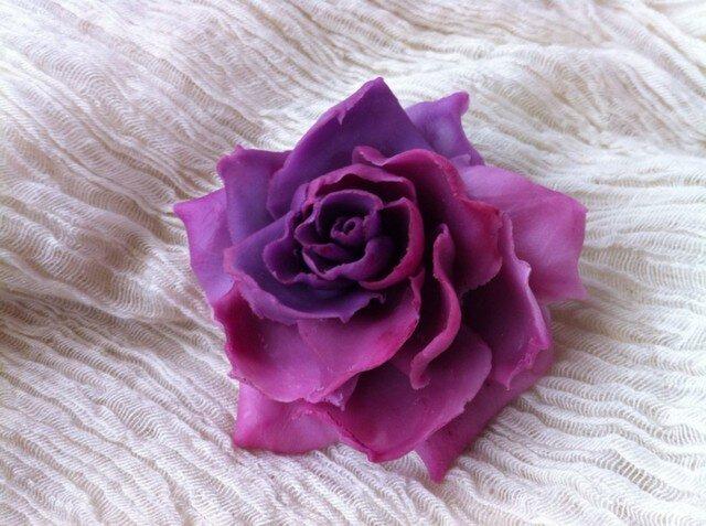 薔薇のコサージュの画像1枚目