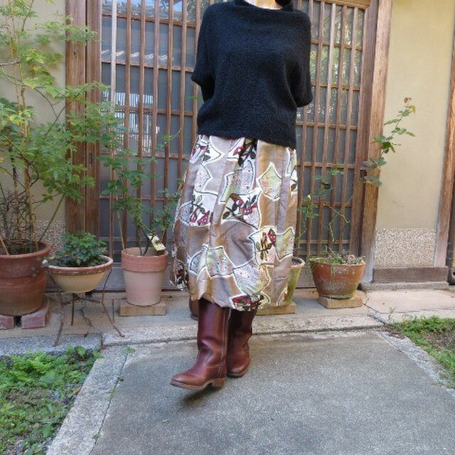 銘仙リメイク☆シックで可愛いおうち柄タックいっぱい変形スカートの画像1枚目