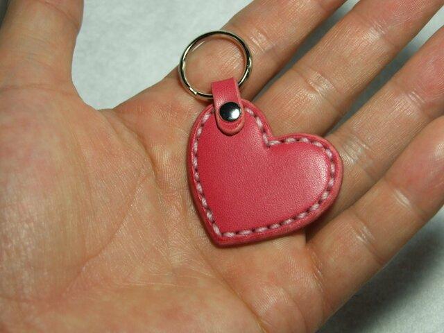 小さいハートのキーホルダー ピンクの画像1枚目