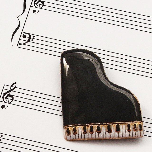 七宝焼ブローチ ピアノ(黒)※文字あり・なし両方対応の画像1枚目