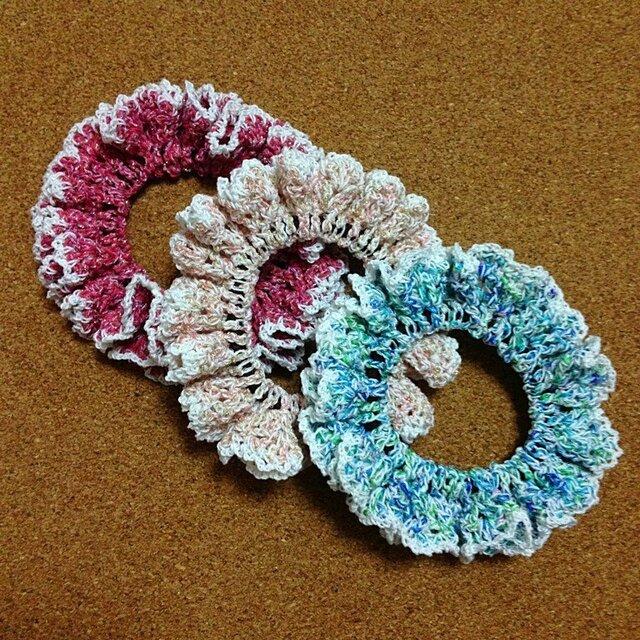 かぎ針編みのラメ入りシュシュの画像1枚目