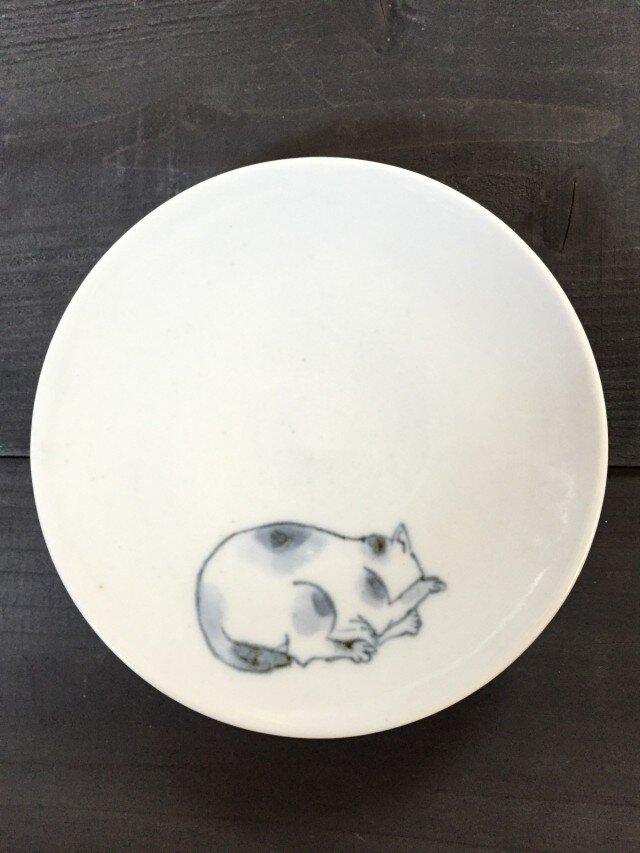 染付4寸猫皿 28の画像1枚目