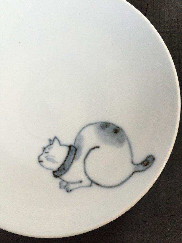 染付4寸猫皿 27の画像1枚目