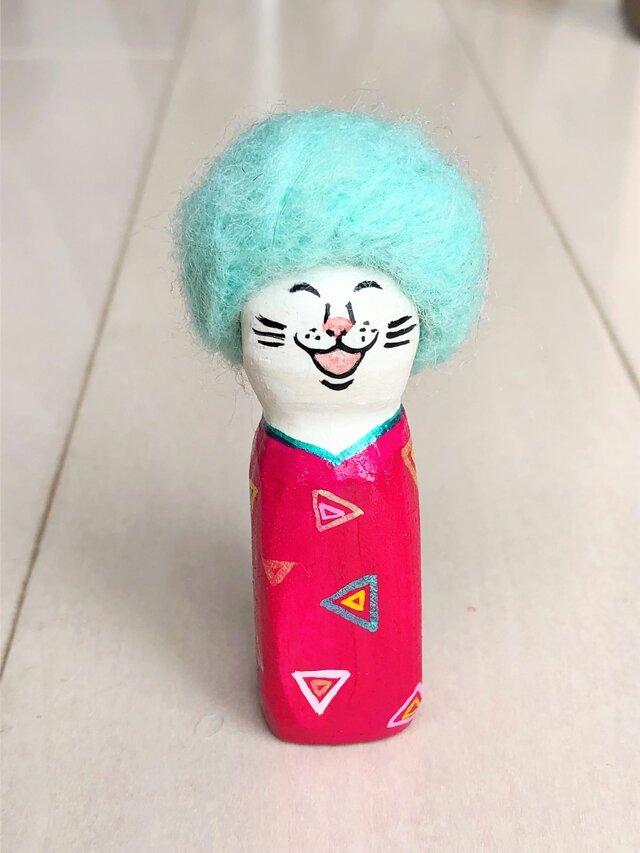 木彫りのアフロ猫 ピンクの画像1枚目