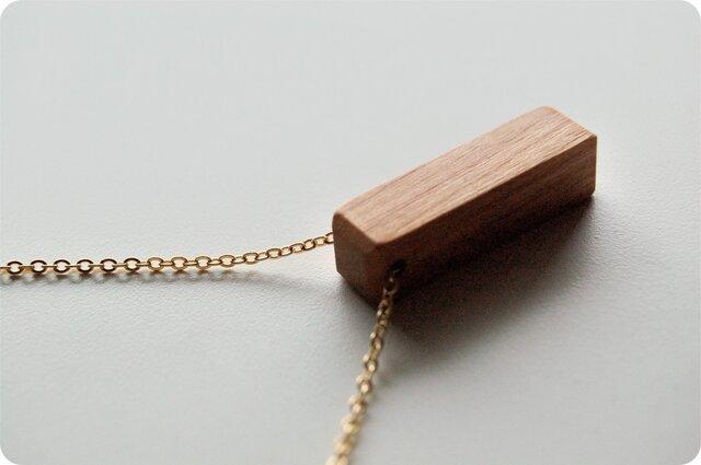 木のネックレス レクタングルの画像1枚目