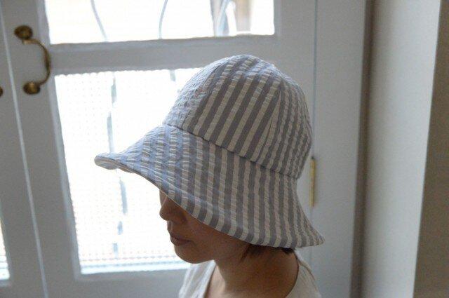 サッカーストライプの夏物帽子(グレー)の画像1枚目