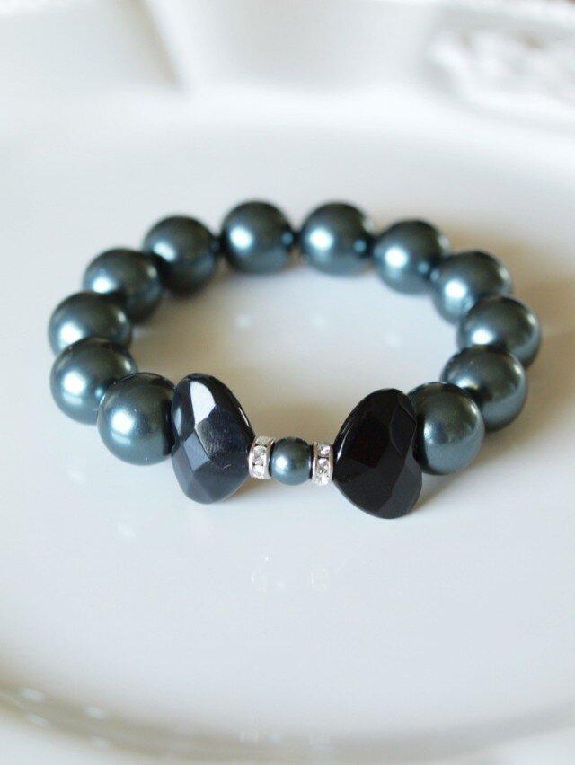黒蝶の天然石と Swarovski 大粒パールのブレスレット*南洋黒真珠フィーリング*の画像1枚目