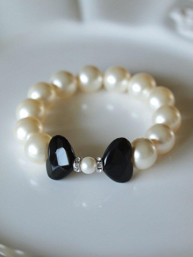 黒蝶の天然石と Swarovski 大粒パールのブレスレット *南洋真珠フィーリング*の画像1枚目