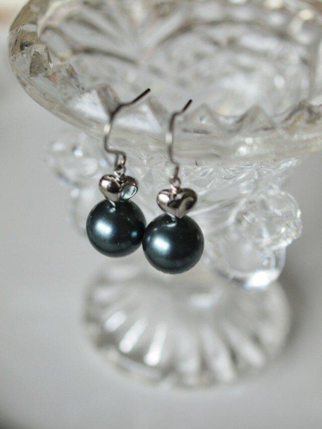 大粒パールのハートピアス & イヤリング  *南洋黒真珠フィーリング*の画像1枚目