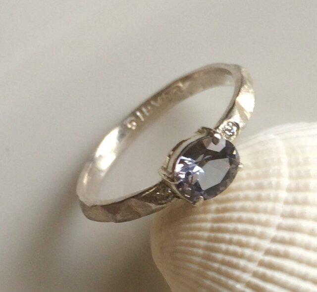 タンザナイト(非加熱)とダイヤモンドのリングの画像1枚目