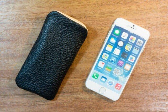 iPhone6レザーケース トリヨンクレマンス・ブラックの画像1枚目