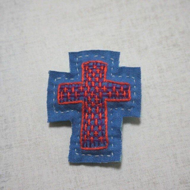 手刺繍ブローチ「十字架」の画像1枚目